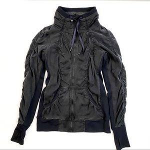 Lululemon Zip Jacket Pre-loved like new Size 6